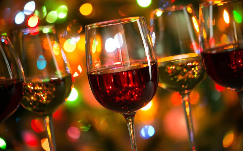 Cómo servir el vino y brindar en Nochebuena